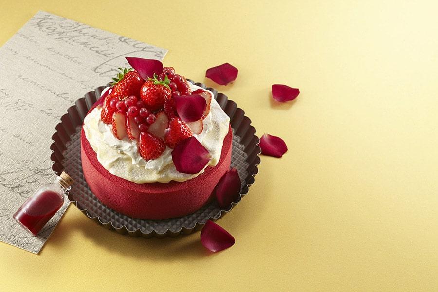 【ボン ヴィヴァン】Strawberry Sparkle Cake