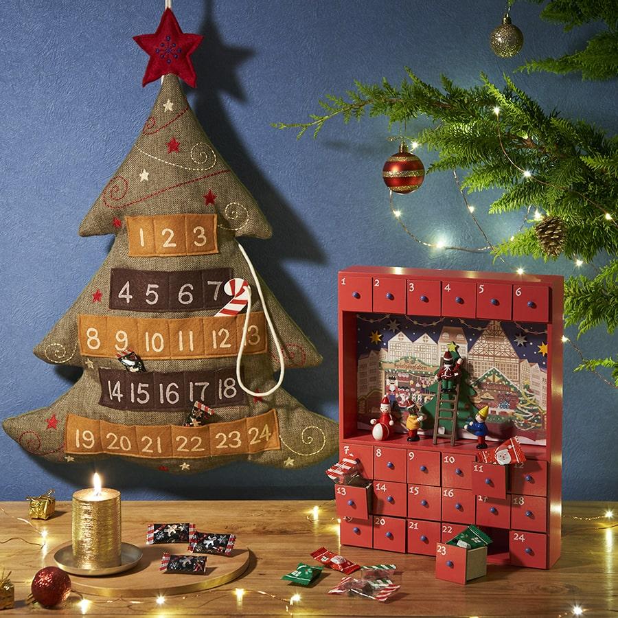 【カルディコーヒーファーム】オリジナル クリスマスカウントダウンカレンダー ツリー(左)/オリジナル クリスマスウッドボックスカレンダー2019(右)